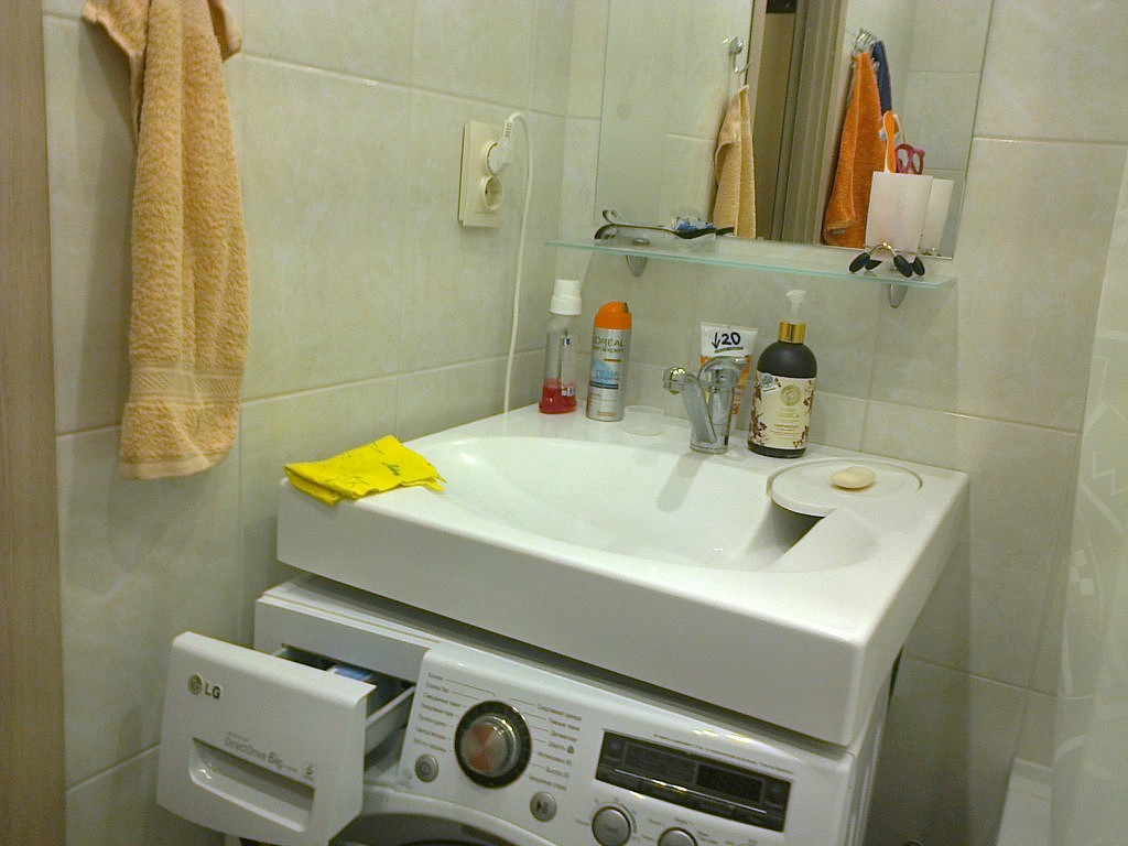 маленькая ванная комната дизайн с душевой кабиной жизнь в стиле икеа