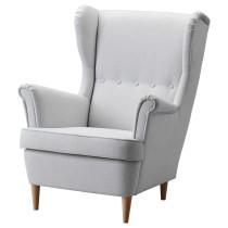 Кресло с подголовником СТРАНДМОН светло-серый артикуль № 003.004.28 в наличии. Интернет магазин IKEA Беларусь. Недорогая доставка и установка.