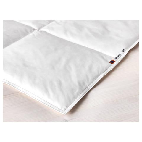 Одеяло прохладное ХЭНСБЭР белый артикуль № 702.716.58 в наличии. Онлайн магазин IKEA Беларусь. Быстрая доставка и установка.