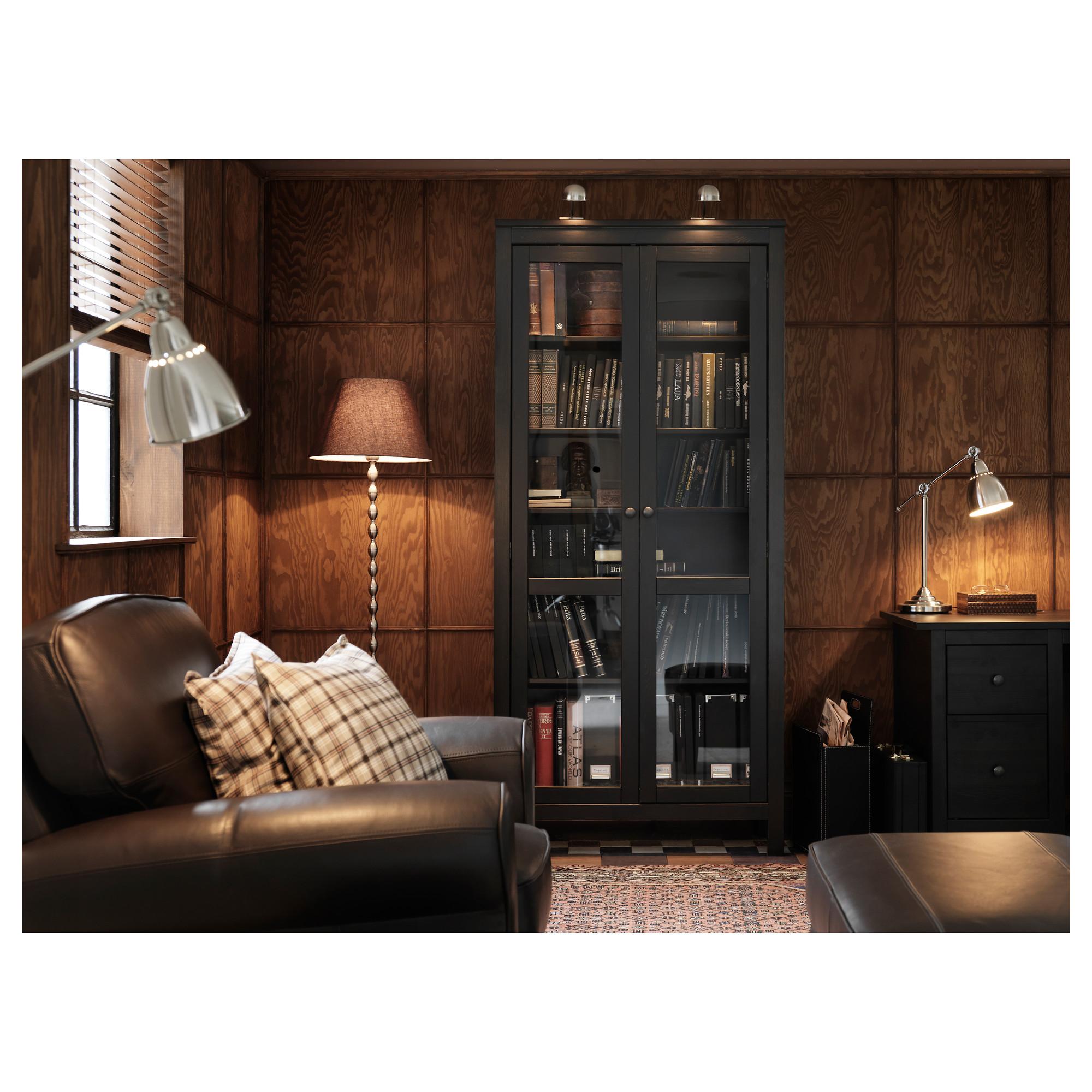 Хемнэс шкаф-витрина фото в интерьере