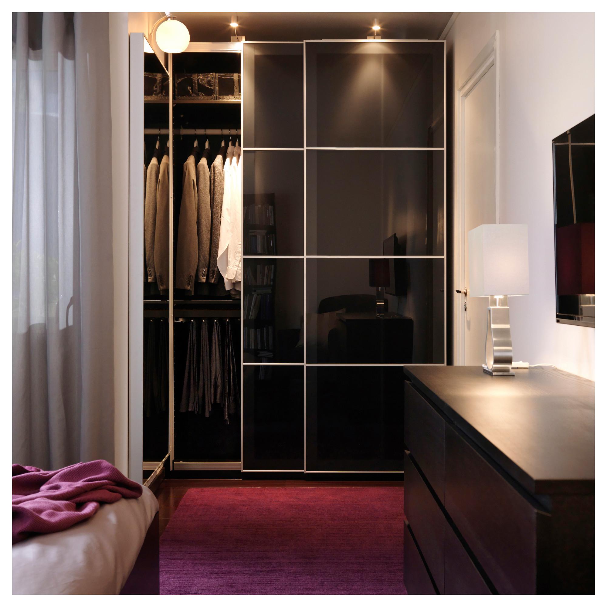 Черный шкаф, преимущества и недостатки, и как ухаживать.