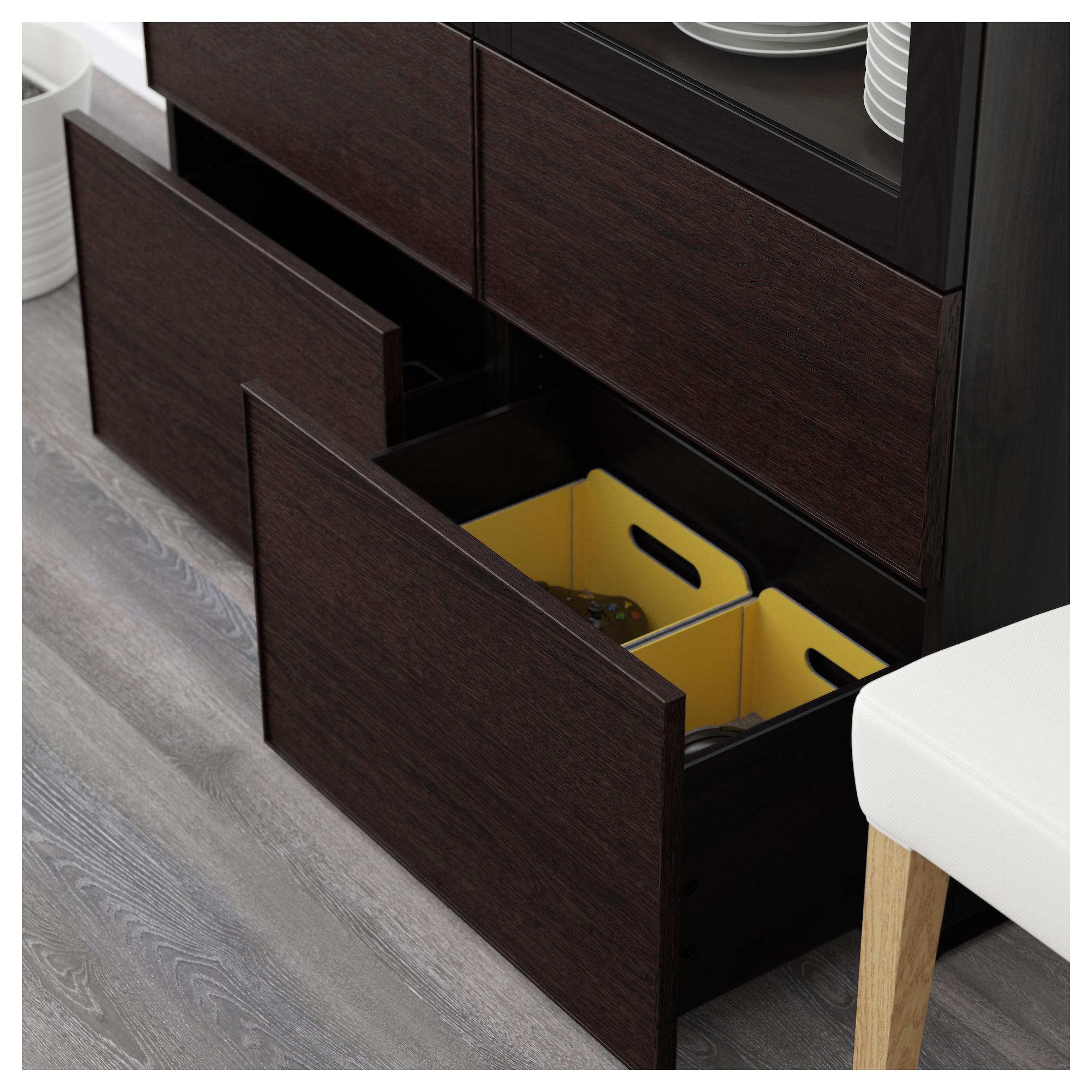 Комбинация для хранения со стеклянными дверцами БЕСТО черно-коричневый артикуль № 192.479.35 в наличии. Online каталог IKEA РБ. Недорогая доставка и соборка.