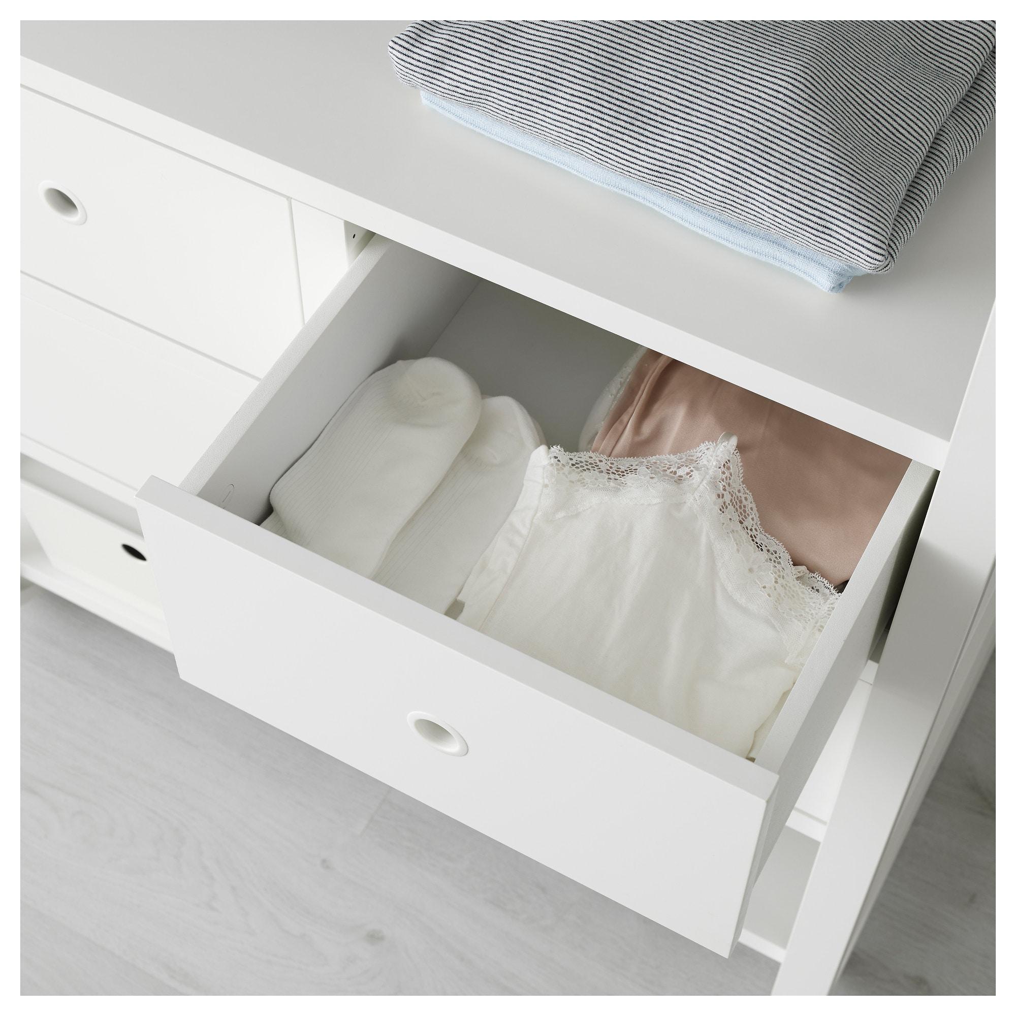 3 секции ЭЛВАРЛИ белый артикуль № 692.039.67 в наличии. Онлайн магазин IKEA Беларусь. Недорогая доставка и установка.