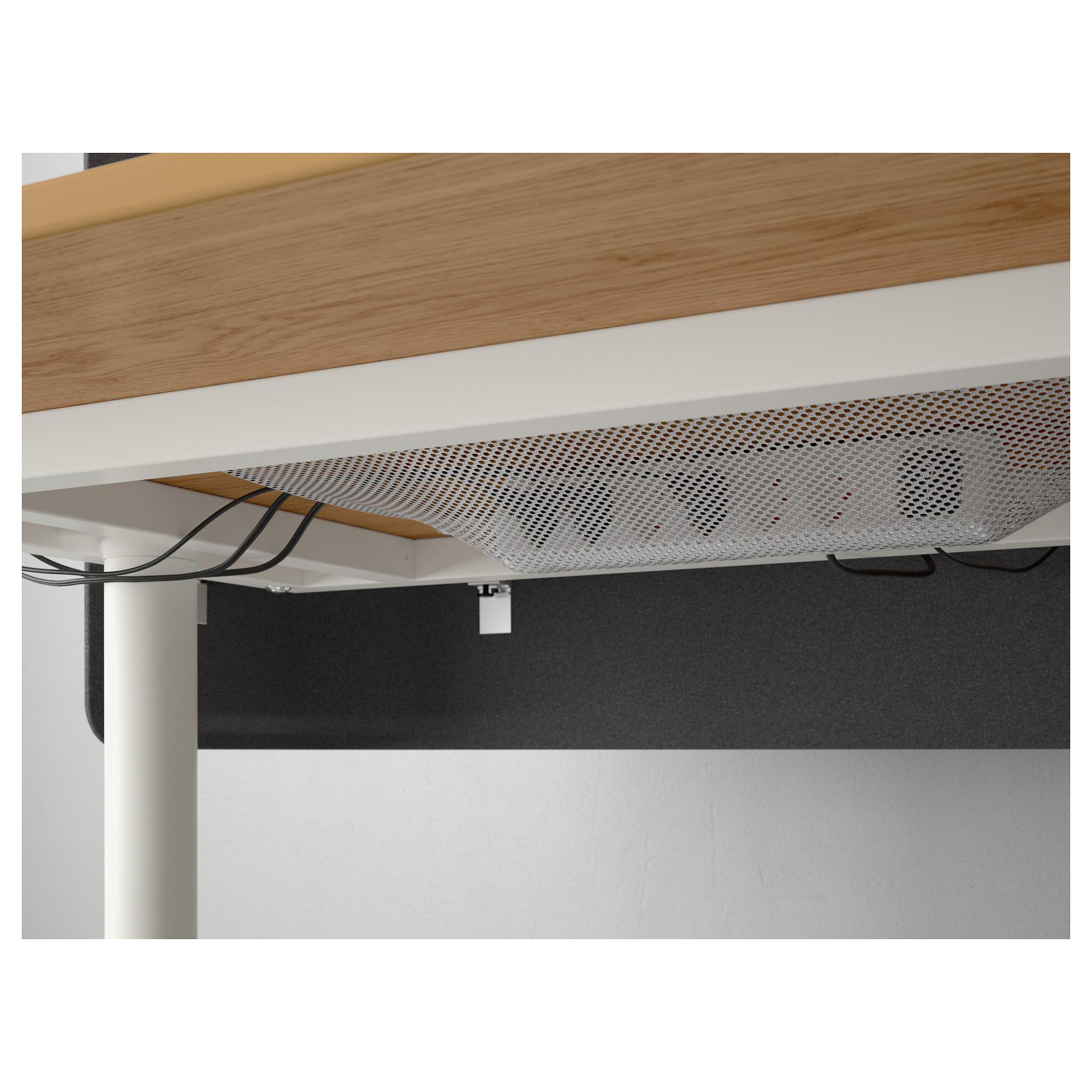 Стол для приемной БЕКАНТ белый артикуль № 092.786.49 в наличии. Online сайт IKEA РБ. Недорогая доставка и соборка.