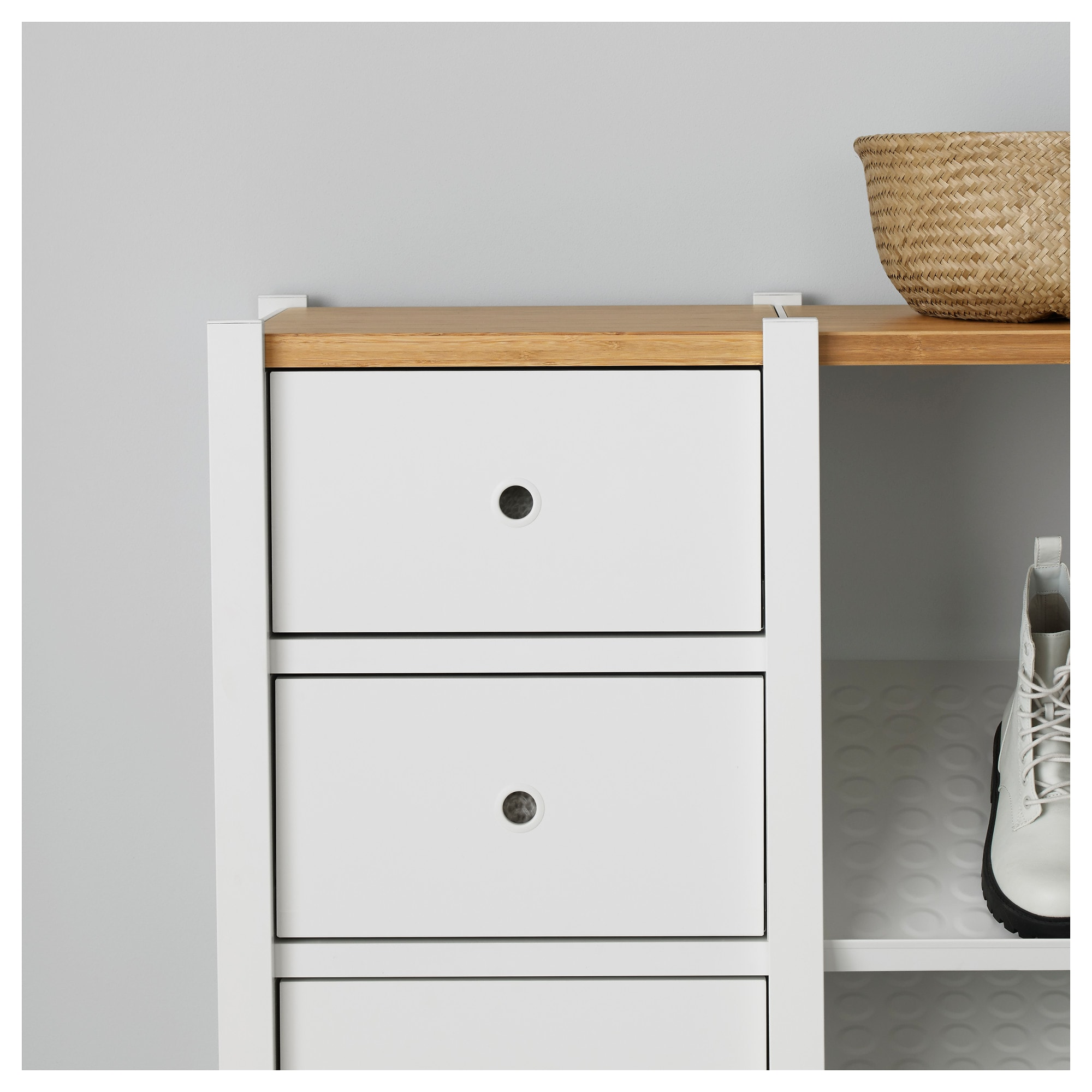 Вставка ЭЛВАРЛИ белый артикуль № 403.692.32 в наличии. Online каталог IKEA РБ. Недорогая доставка и установка.